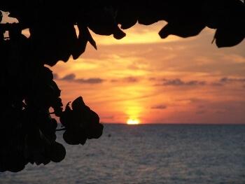 ジャマイカの海辺の夕日